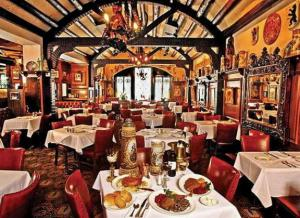 The room looked exactly like this when we ate at Karl Ratszch's last week and, probably, when the Pfisters dined there 80 years ago.