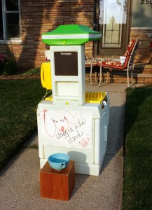 Doggie-ade stand