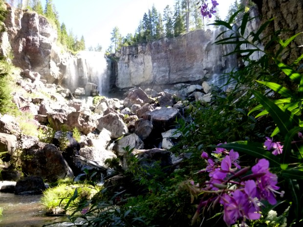 Paulina Falls from the bottom, Oregon