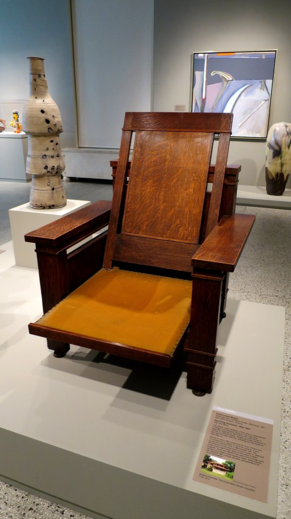 Reclining Armchair, Frank Lloyd Wright, 1902-1903, Currier Museum of Art, Manchester, New Hampshire