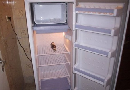 Image result for Homem morre após levar choque em geladeira