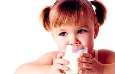 niño-puede-beber-leche