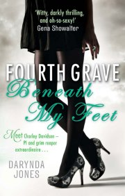 Darynda Jones – Fourth Grave Beneath My Feet