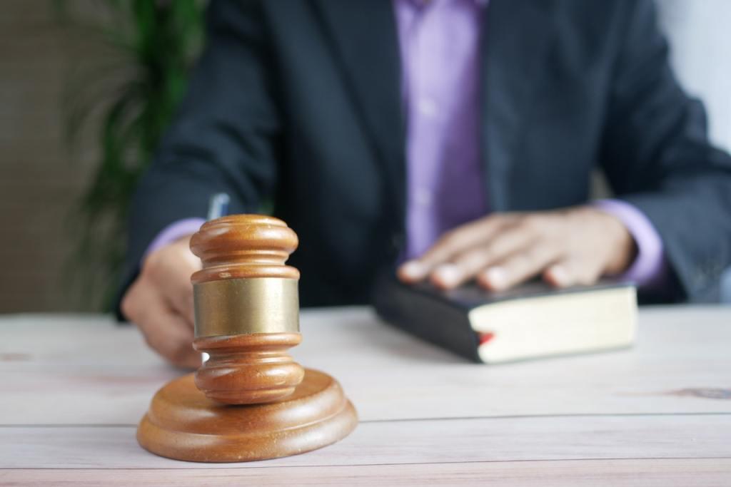 Giudice con martello, sentenza della cassazione, D lgs 231 integrale