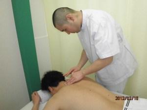 あんり治療院藤井列央の肩鍼