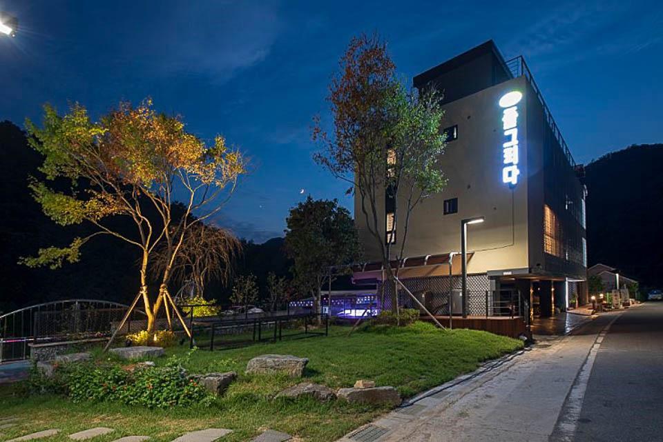 2016 Hongchung Poolgrida 11 스타일 랩 종합건축사사무소 : 건축사 안응준