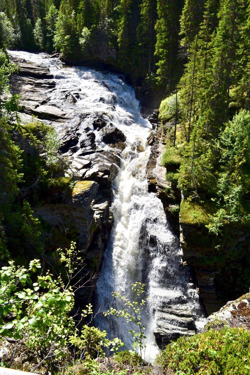 Ansättåleden, Källarforsen och Ansättåns canyon. Foto © flyttatillfjallen.se