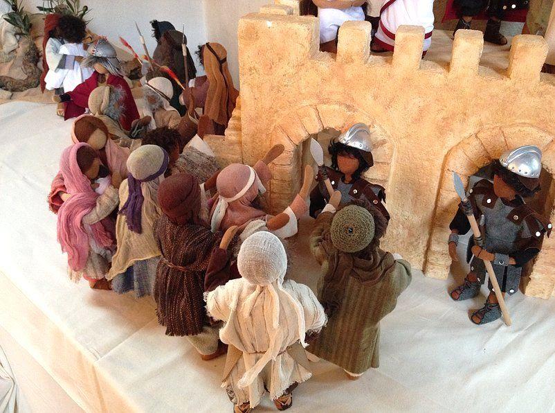 Kurser i kreativt skapande av bibliska figurer hos Hotagens Kurs Gård.