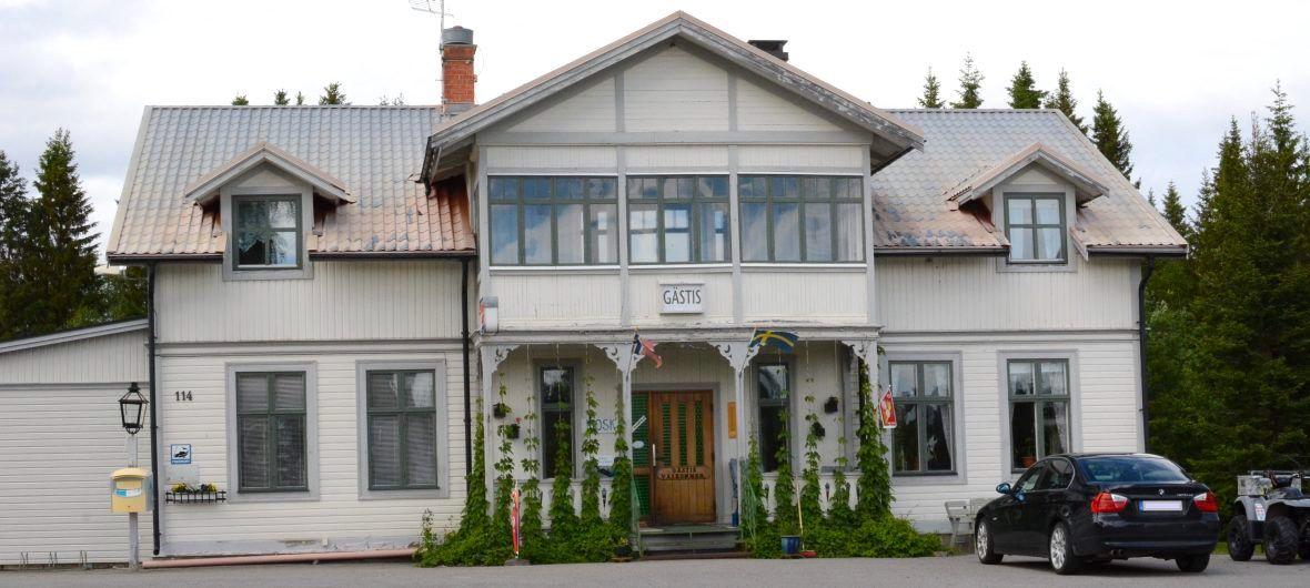 Välkommen till Lillholmsjö Gästgivargård och camping.