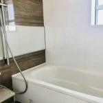 お風呂の鏡に付いた頑固な水垢を本当に落とす方法とは?