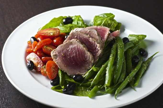 Tarragon Pesto Seared Tuna Salad