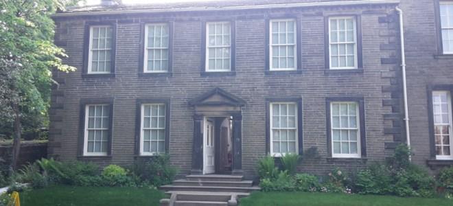 Die Brontë-Schwestern: Feministischer Kult um drei Außenseiterinnen