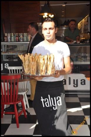 Talya Cafe Bistro- Nuri Alço, Fidan İlteray, Antalya TV, Muhabir Rüya Kürümoğlu (283)