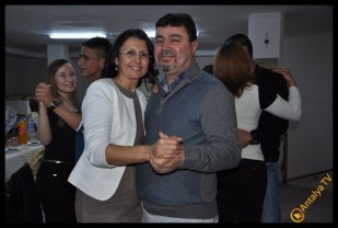 Duman Düğün Sarayında 20. Yıl Kutlaması nda Ümmühan Duman ve Kemal Duman
