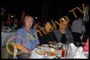 Berraksu Manavoğlu ve Muhammet Uzunlar'ın Muhteşem Nişan Şöleni