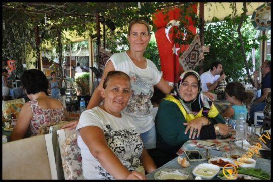 Kadınlar Kulübü Efsane Köy Kahvaltısı'nda (9)
