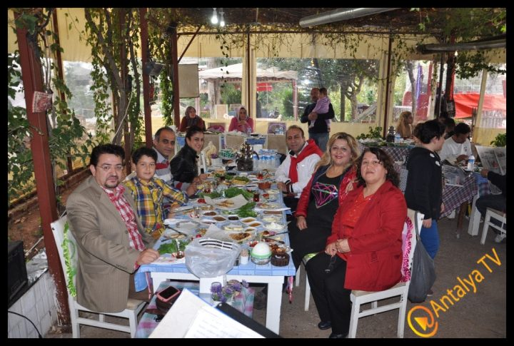 İdareci ve Bürokratlar Birliği Dernek Üyeleri Efsane'yi Yaşadılar (22)
