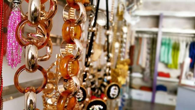 B & G Boutique Antalya - 0242 2295999 antalya takı mağazaları saat küpe yüzük kemer çanta modelleri (3)