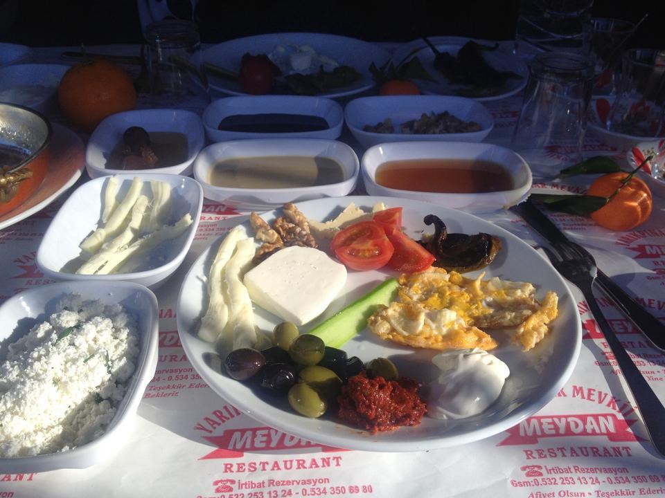 antalya kemer ulupınar en iyi restaurant kahvaltı yarıkpınar meydan restaurant (15)