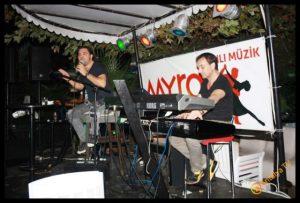 MYRA Beach Bar- Can Afacan- Murat Dalboyun Orkestrası- Antalya TV- Muhabir Rüya Kürümoğlu (11)