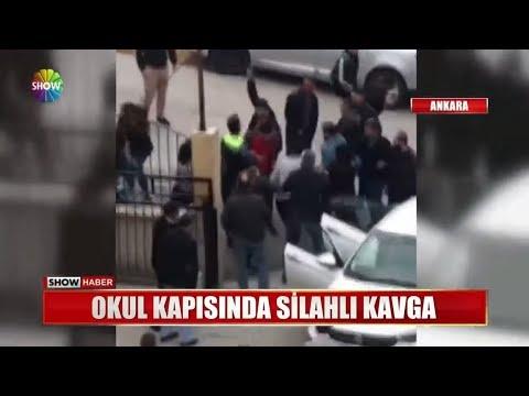 Okul kapısında silahlı kavga