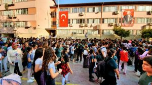 2019 - 2020 Eğitim Öğretim Yılı Başladı - Antalya Merkez İlköğretim Okulu'nda ilk gün
