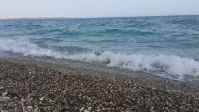 İlk Baharda Antalya Kumsalı Konyaaltı Sahili Dalga Sesleri Tatil Gezi Tur