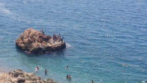 Antalya Beachpark Kayalıklarında Deniz Keyfi - Antalya Gezi Tatil
