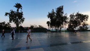 Cumhuriyet Meydanı Antalya Atatürk Heykeli Akşamüstü Manzarası