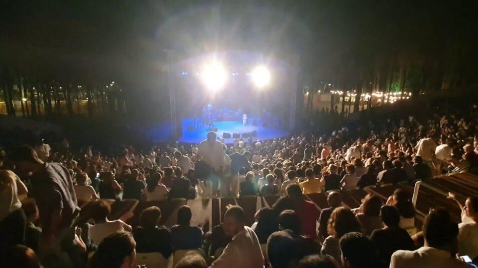 """Selda Bağcan Antalya Konserinde """"Uğurlar Olsun"""" parçası ayakta alkışlandı"""