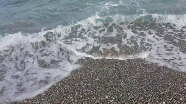 Konyaaltı plajı deniz ve dalga sesi tertemiz su Antalya Kumsalı gezi tatil tur