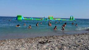 Konyaaltı Plajı Denize Girenler Antalya Deniz Manzarası Gezi Tatil