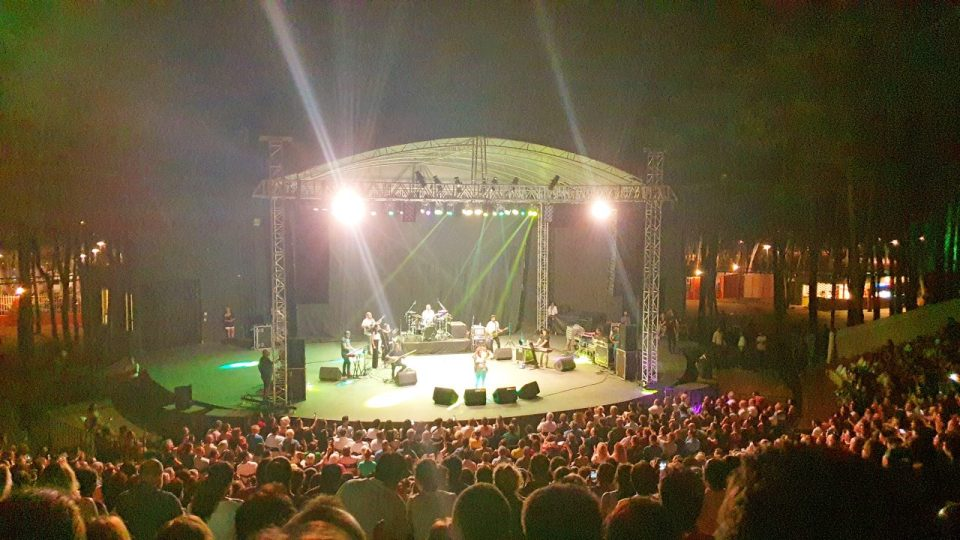 selda bagcan antalya konseri konyaalti acik hava tiyatrosu (8)