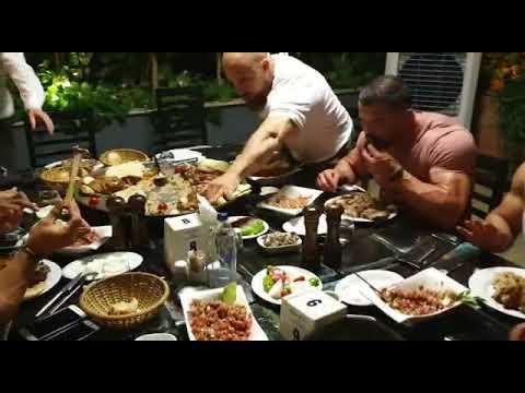 Vücut Geliştirme Takımı Nasreddin Restoran'da Tandır Yedi