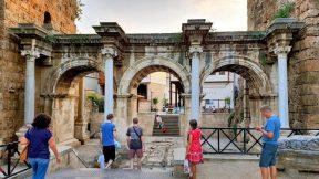 Antalya Üç Kapılar - Hadrian Kapısı Antalya Turistik Yerler Tarihi Mekanlar
