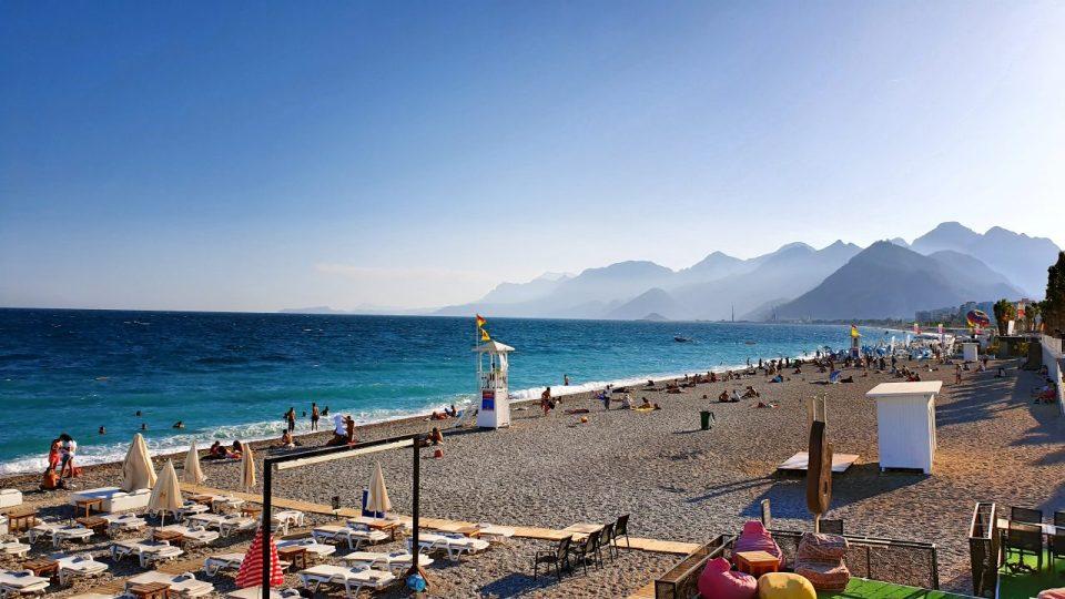 Konyaaltı Plajları – Konyaaltı Kent Meydanı – Antalya Sahili Deniz Manzaraları
