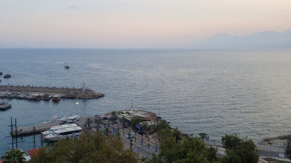 Geniş Açı Manzara – Muhteşem Yat Limanı, Deniz ve Kaleiçi Manzarası