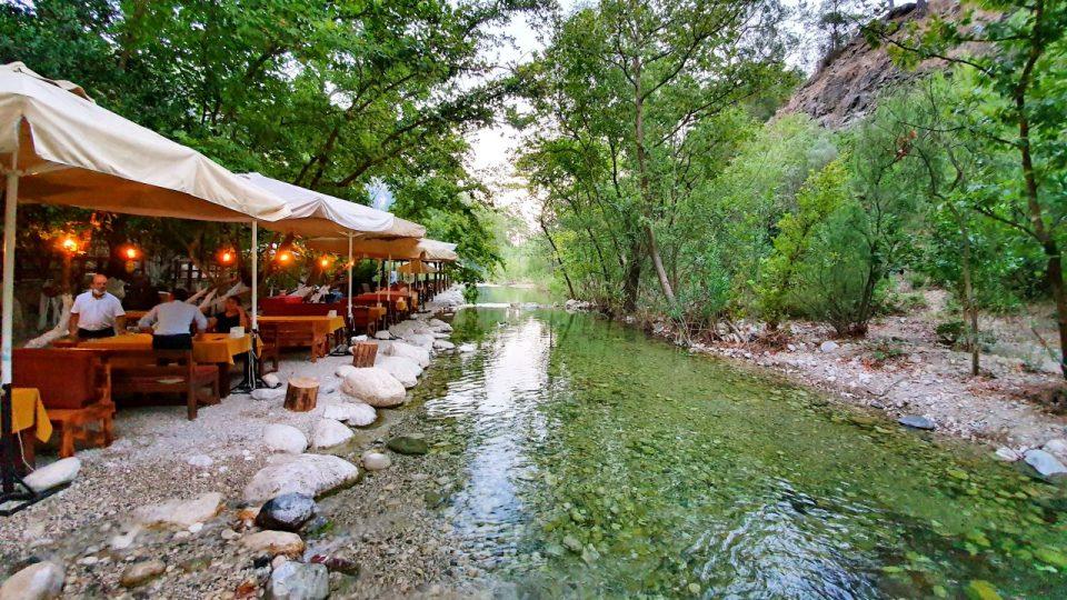 Kemer Doğal Güzellikler Gezilecek Yerler Kahvaltı Yarıkpınar Meydan Restaurant_14