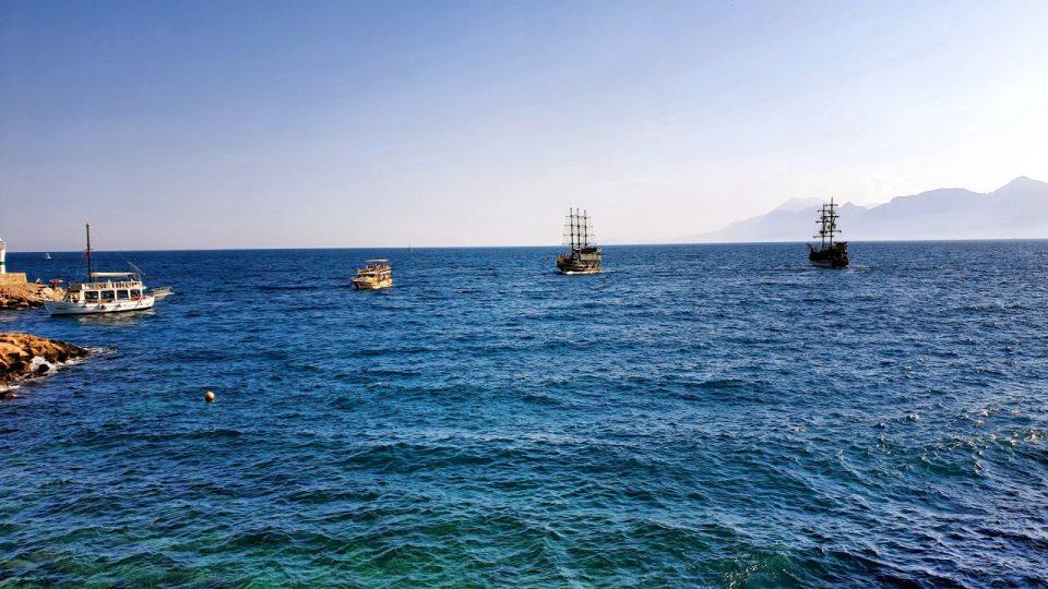 antalya yat limanından manzaralar balıkçı iskelesi tekne turları_5