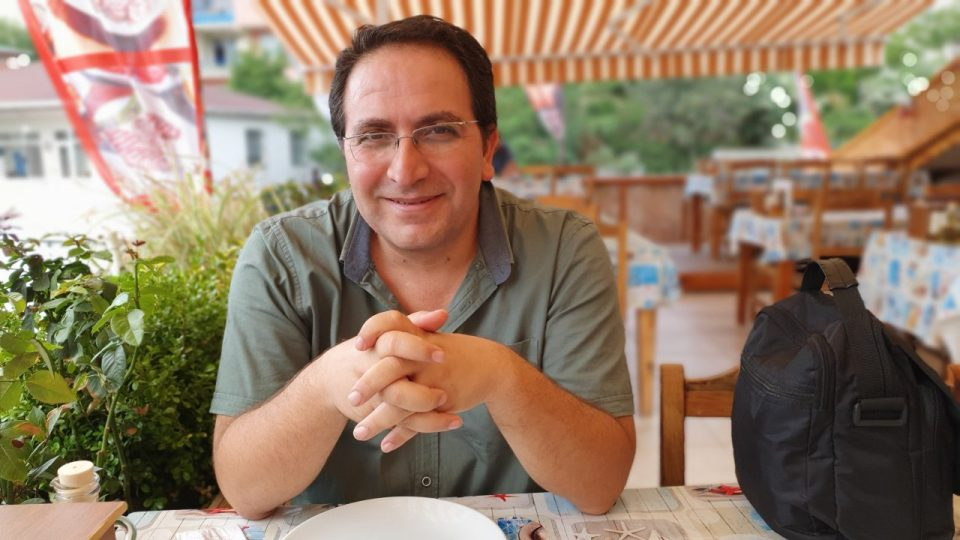 ali aksoy fotoğrafları sanatçı besteci söz yazarı şair 4