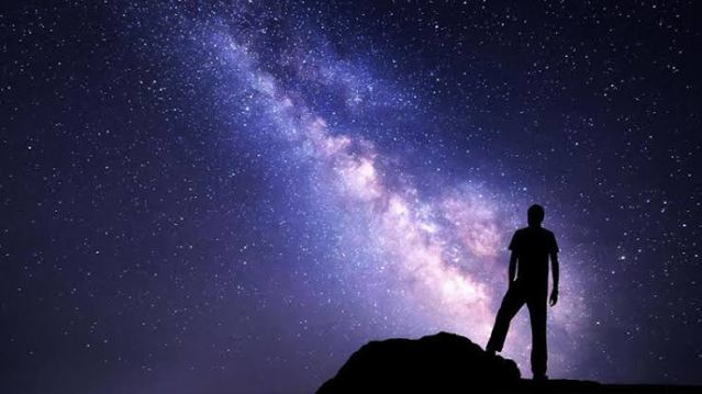 Karanlık madde nedir ? Karanlık maddenin özellikleri nelerdir ?