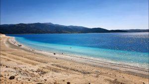 Salda Gölü Sahilinden Muhteşem Mavi Tonlar ve Göl Manzarası