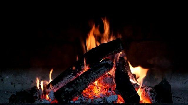 Lagerfeuergeräusche & sanftes Knistern, Kaminfeuer zum Entspannen, Lernen & Schlafen