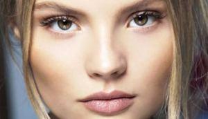 Makyaj trendleri günlük porselen doğal sade mat hafif kalıcı makyaj modelleri