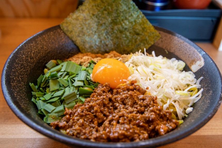 汁なし担々麺(大盛り)