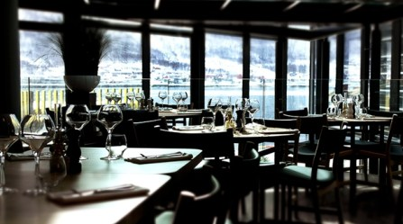 hotel-restaurant-area-the-edge-hotel-tromso