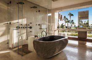 OneAndOnly_Palmilla_Accommodation_VillaOne_MasterBathroom_MR