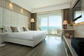 spacious-room-with-view-of-the-sea-jesolo