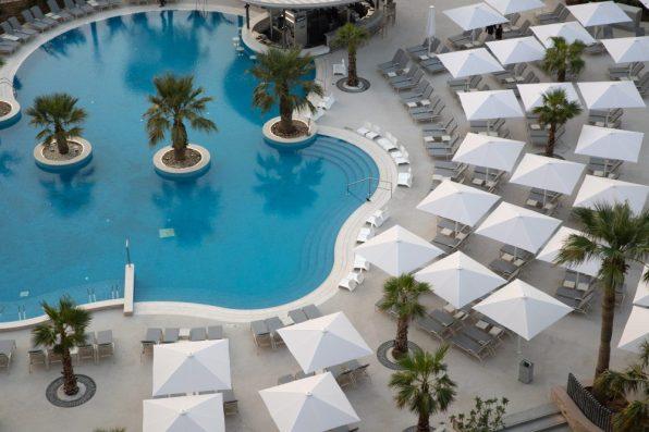 Jumeirah-Beach-Hotel-Leisure-Pool-Top-View