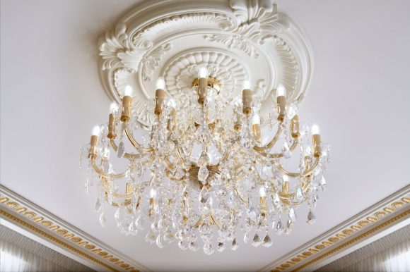 Emerald Palace Kempinski Dubai - Suite Chandelier